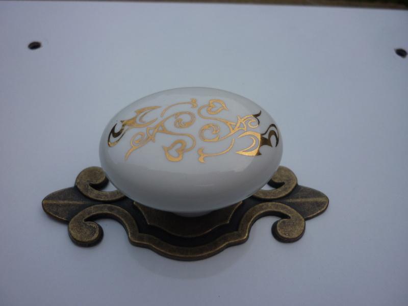 Мебелни дръжки 4060 порцелан десен код 251,метал антик