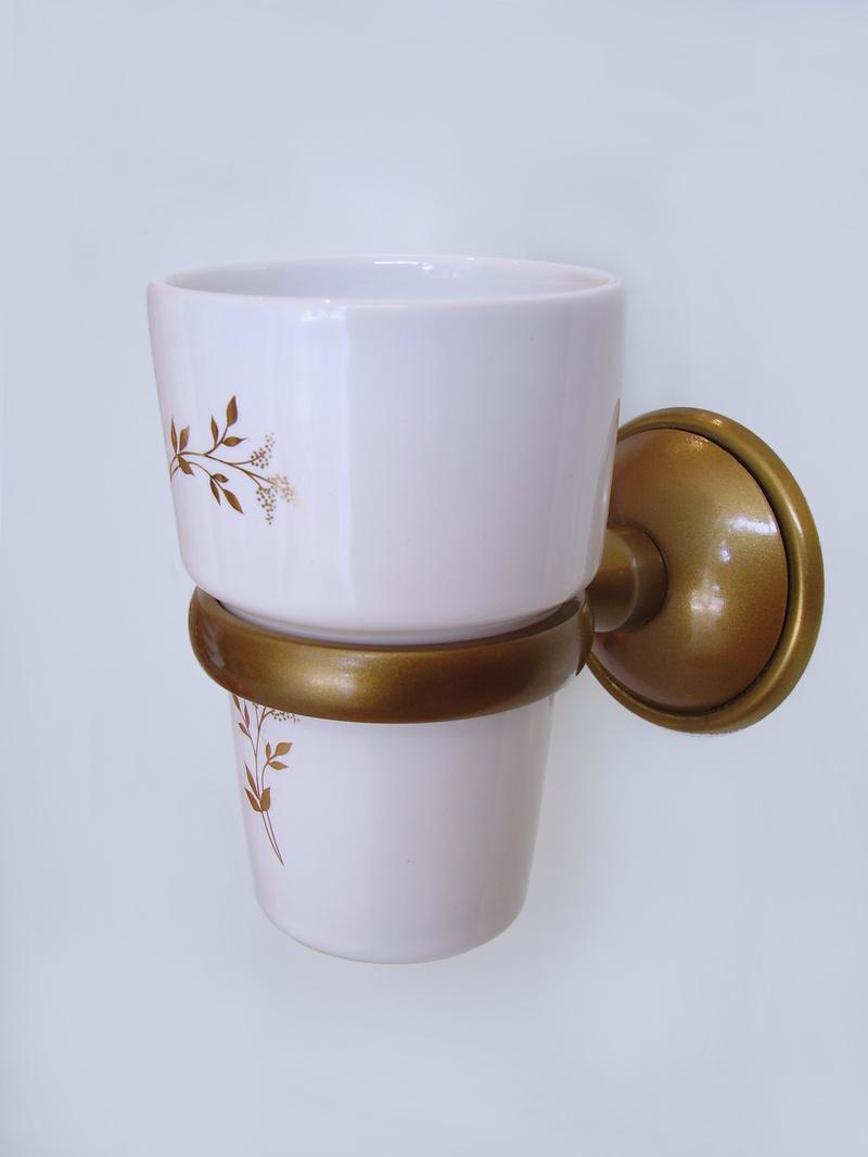 чаша зъбни четки порцелан старо злато месинг