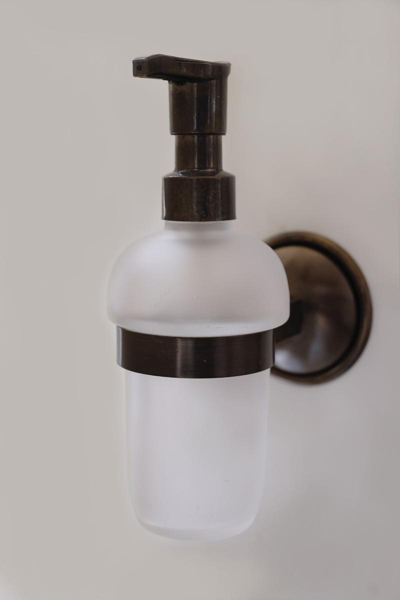 Болеро-антик.Д-ч дозатор течен сапун мат стъкло