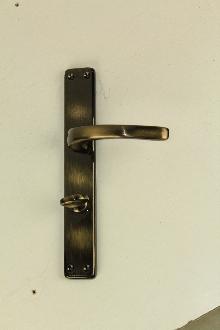 Дръжки за врата Е 31 09 09  WC цвят антик комплект