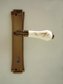 1.*****Дръжки за врати луксозни- модел РЕТРО цял шилд цвят антик