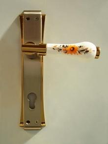 2.*****Дръжки за врати луксозни- модел РЕТРО цял шилд цвят злато - сатен