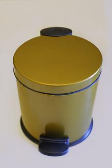 Тоал. кош лукс инокс цвят старо злато с педал 7л.